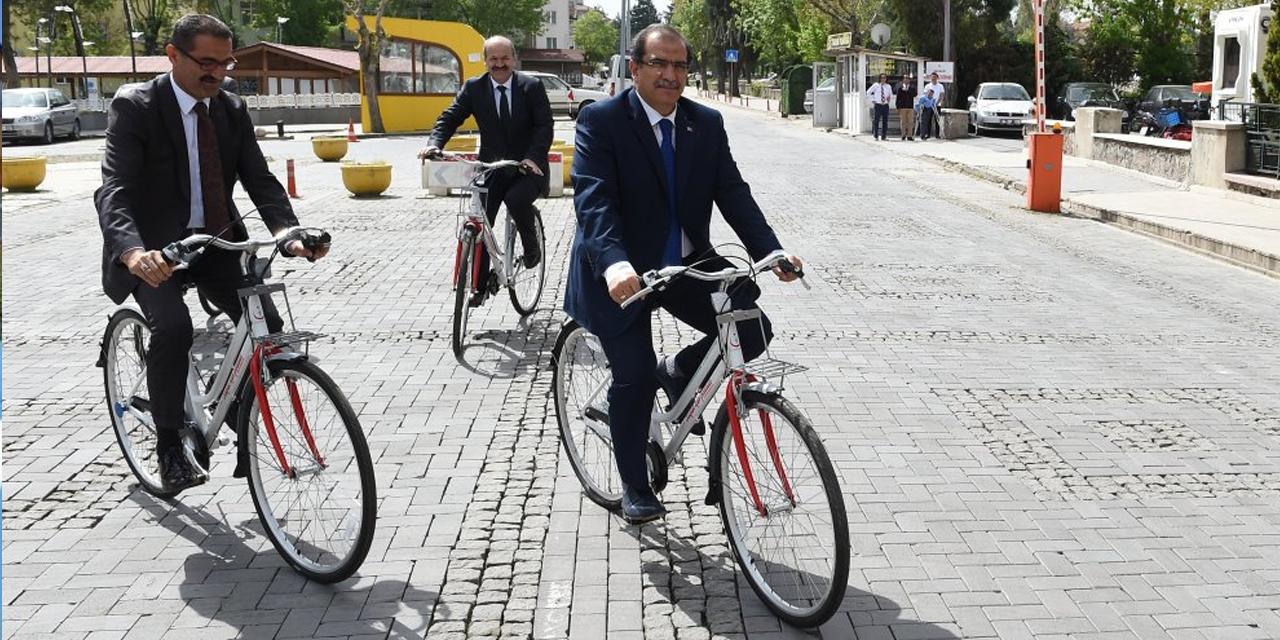 """Ulaşımda """"sosyal mesafe"""" için bisiklet önerisi"""