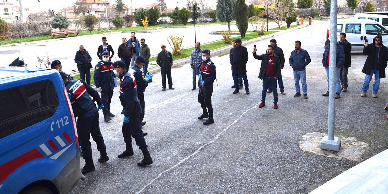 Konya'da 15 büyükbaş hayvanı çalan 7 kişi tutuklandı
