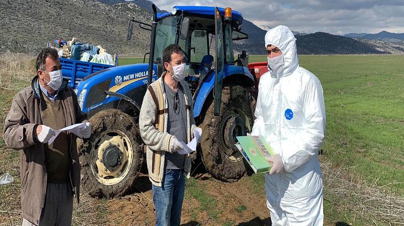 Yalıhüyük'te çiftçiler bilgilendiriliyor
