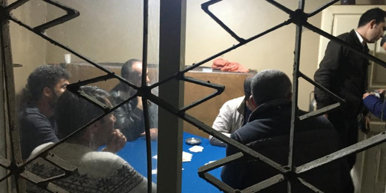 Ev kiralayıp kumar oynayan ve piknik yapan 20 kişiye 63 bin lira ceza