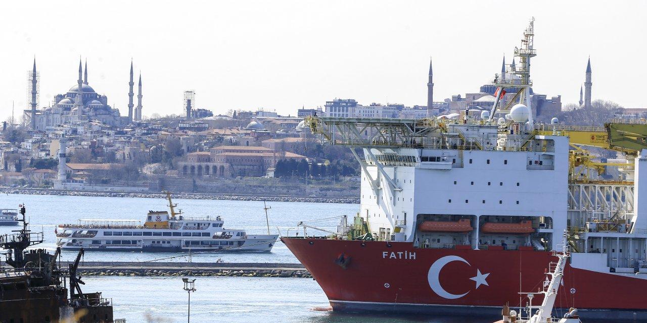 """""""Fatih"""" sondaj gemisi Haydarpaşa Limanı'nda"""