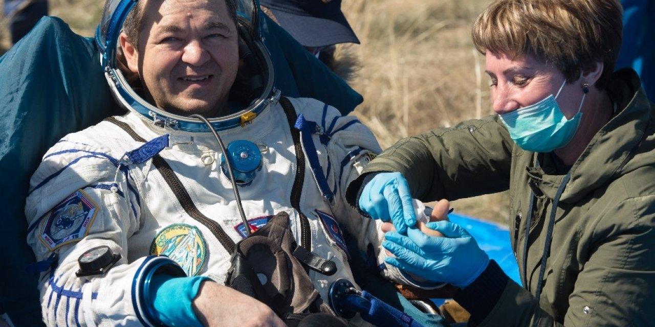 Uluslararası Uzay İstasyonu'ndan 2 astronot ve 1 dünyaya geri döndü