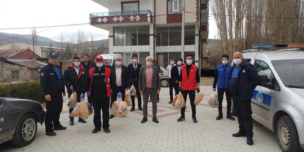 Bozkır'da gençler 52 mahallede evlere hizmet veriyor
