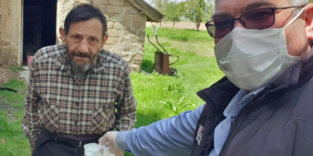 Seydişehir'de ekipler durmadı! Maske ve kolonya dağıttı