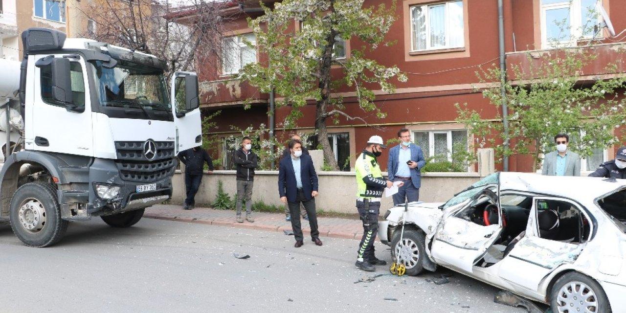 Sivas'ta Beton Mikseri 2 Kişiyi Yaraladı