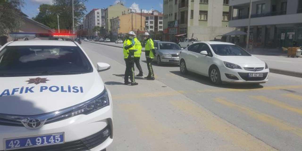 Karapınar'da polisten sürücülere broşür