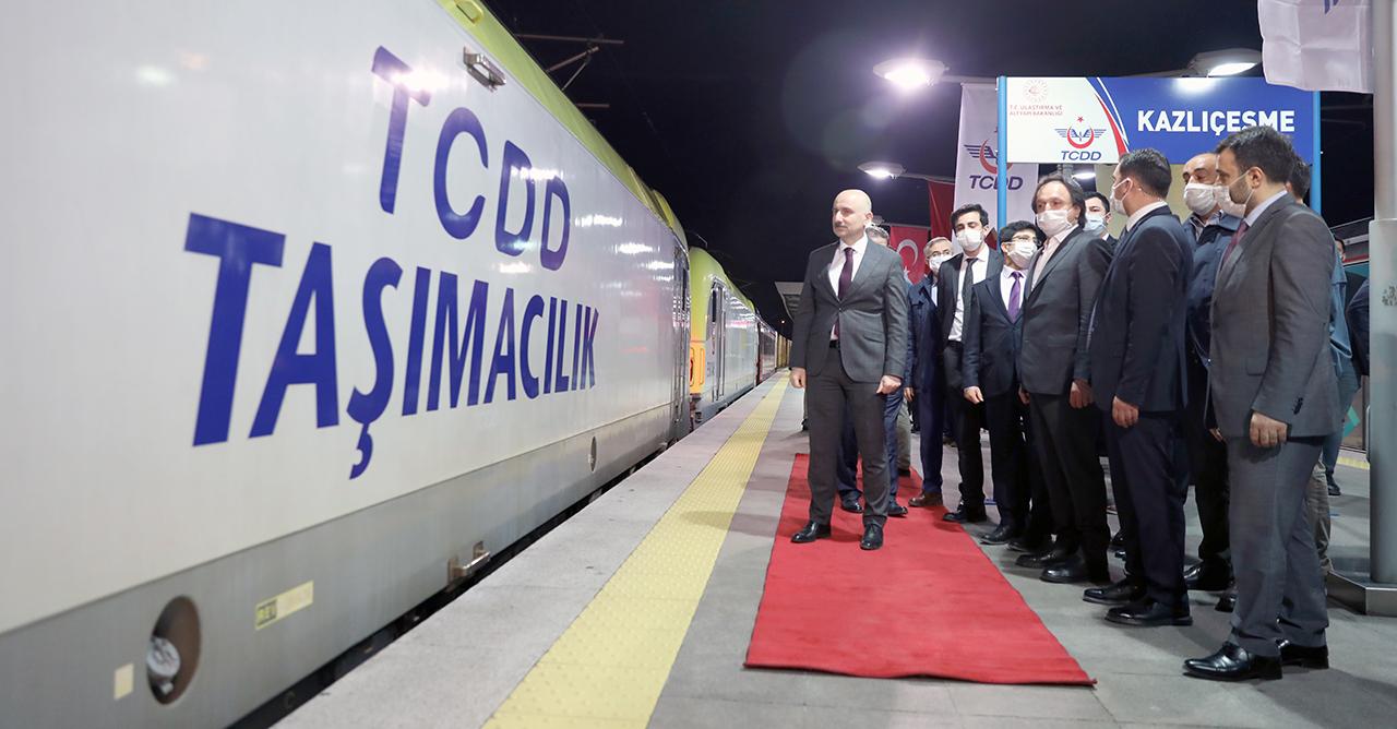 Gaziantep'ten gelen yük treni Marmaray'dan geçti