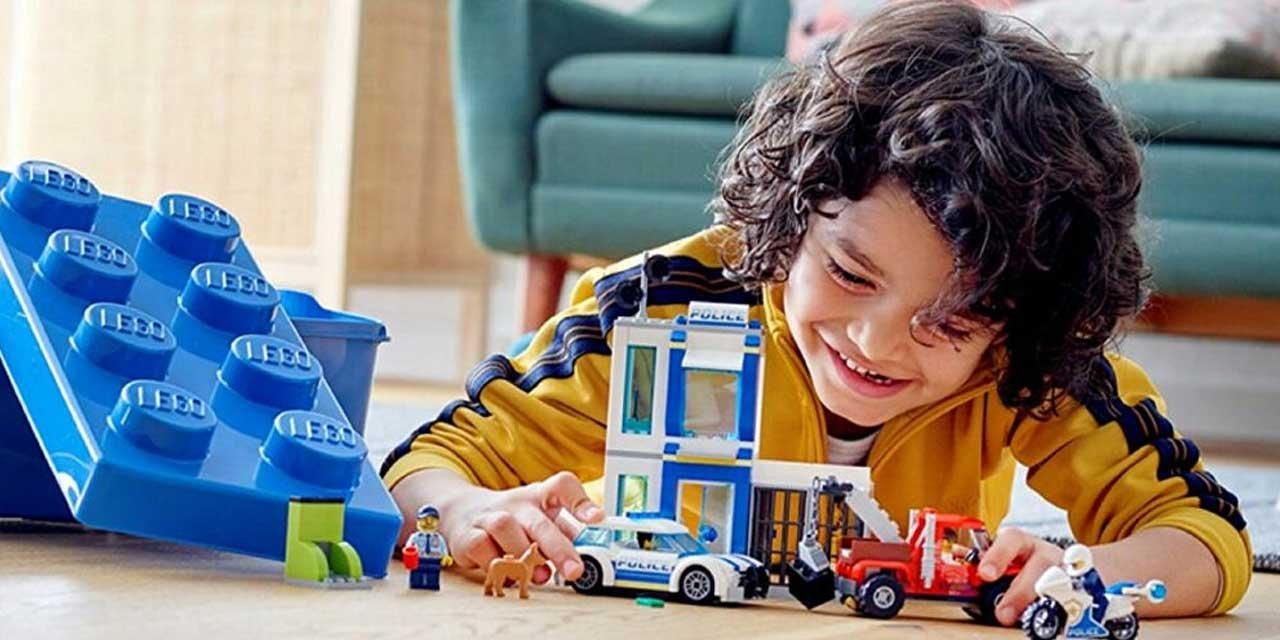 Lego Oyuncak Firmasından İlginç Karar