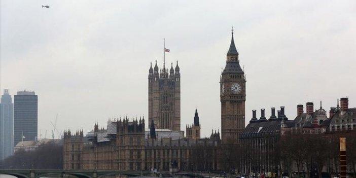 Vatandaşlarına Türkiye izni vermeyen İngiltere'de şok üstüne şok! Bir kent karantinaya alındı
