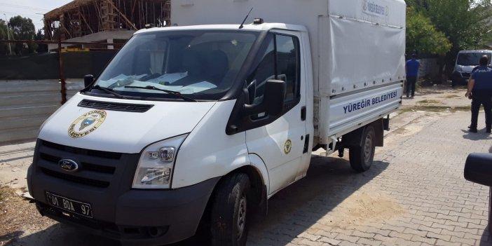Adana'da yardım kolilerini taşıyan kamyoneti çaldılar