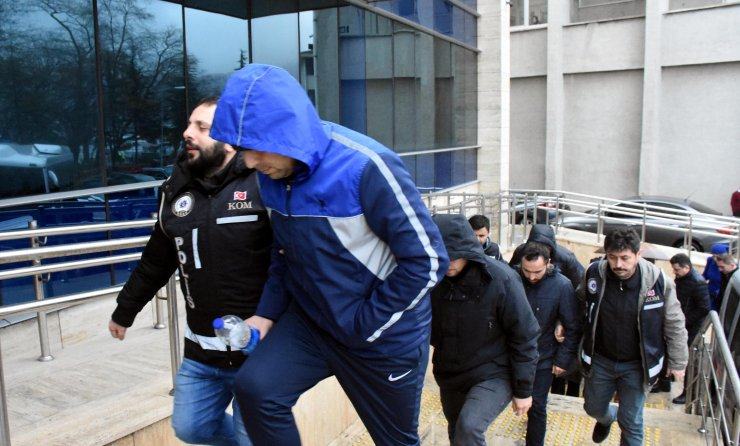 Zonguldak merkezli FETÖ/PDY operasyonunda yakalanan 13 şüpheli adliyede