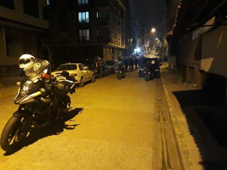 Gaziosmanpaşa'da gelin-kaynana kavgası mahalleyi ayağa kaldırdı: 2 yaralı