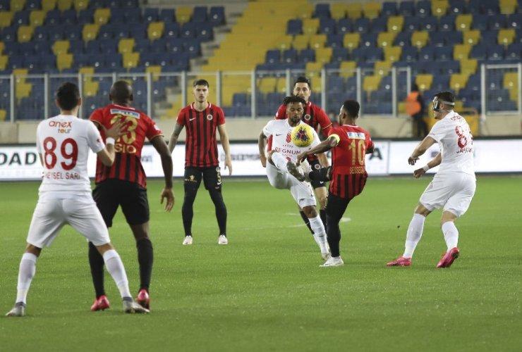 Süper Lig: Gençlerbirliği: 0 - Antalyaspor: 0 (İlk yarı)