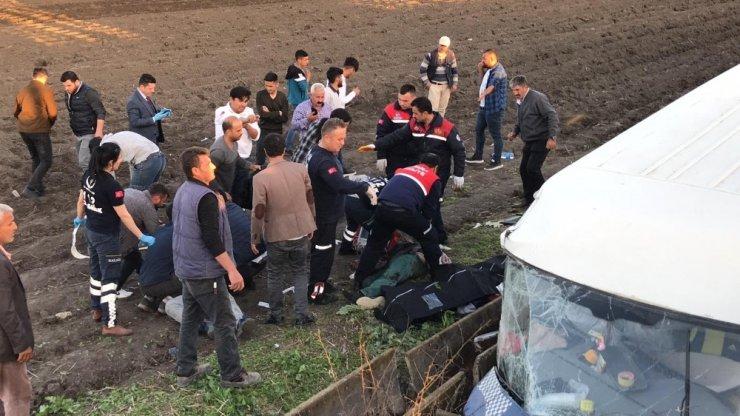 İşçi servisi şarampole devrildi: 3 ölü, 14 yaralı