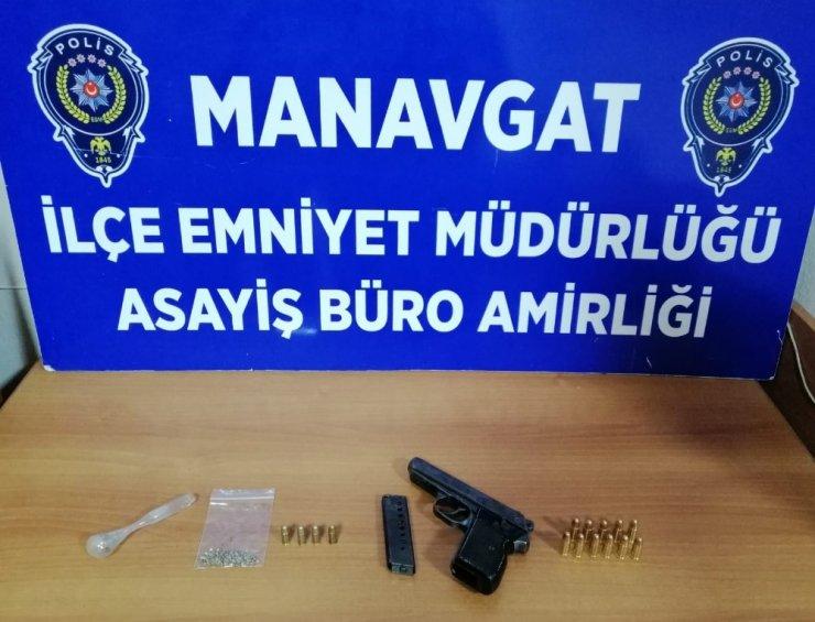 Manavgat'ta ruhsatsız tabanca ve uyuşturucu ele geçirildi