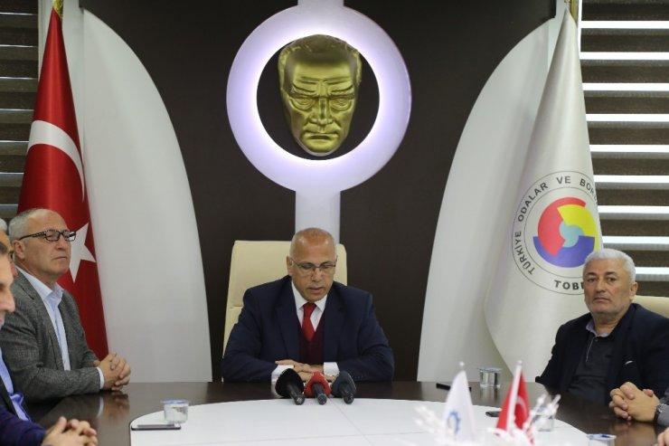 """Hopa TSO Başkanı Akyürek: """"Tır kuyruğunun sorumlusu biz değiliz"""""""