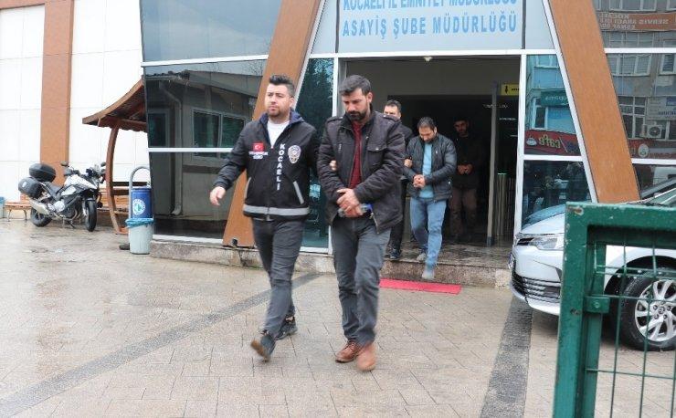 Fabrikadan 130 bin TL'lik oto lastiği çalan 3 hırsız yakalandı