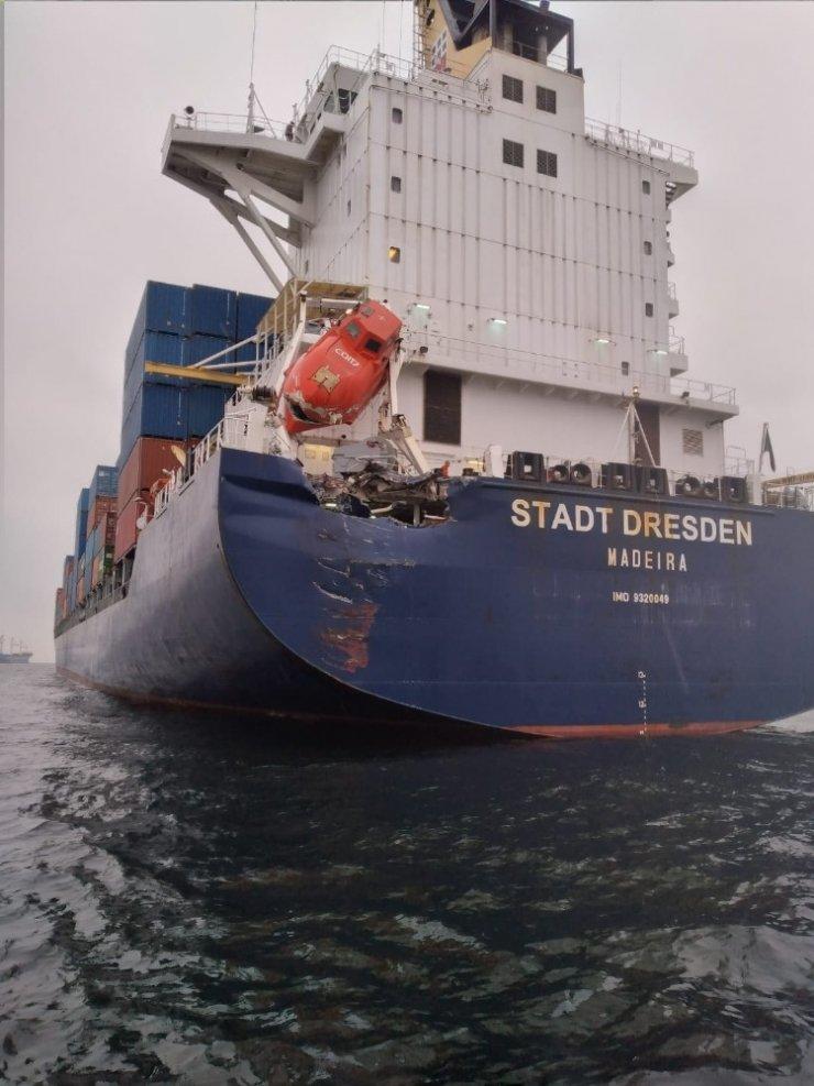 İzmit Körfezi'nde iki kuru yük gemisi çarpıştı