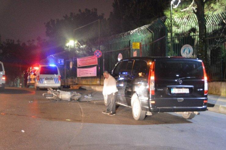 VIP araç ile motosiklet çarpıştı, 1 kişi ağır yaralandı