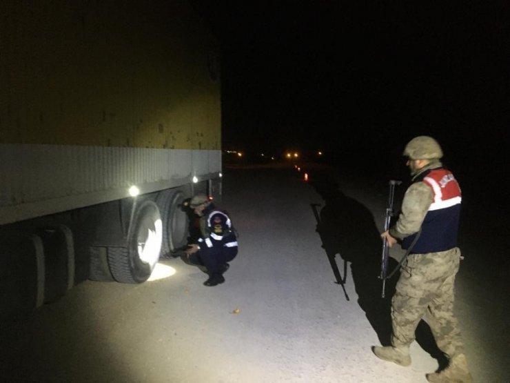 Siirt'te ağır yük taşıyan 445 araç denetlendi