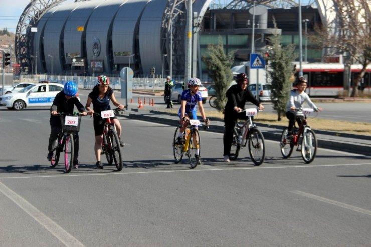 Okullararası Bisiklet Yarışları başladı