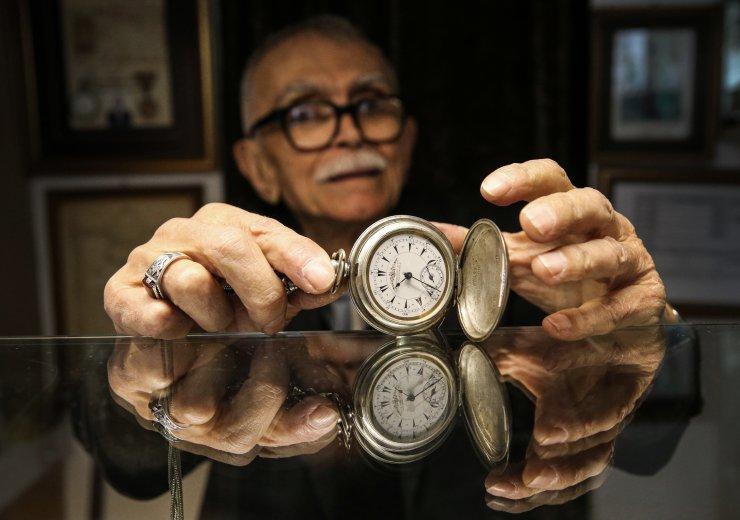 Saat ustası Özbilgin, 70 yıldır zamanı ayarlıyor