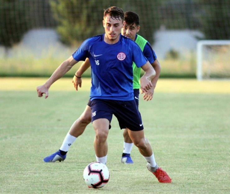 Antalyaspor'da, Bünyamin Balcı performansıyla göz dolduruyor