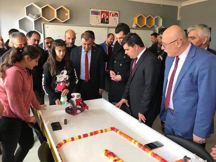 Tomarza'da robotik kodlama sınıfı açıldı