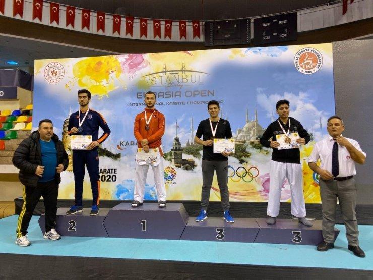 Karate turnuvasının şampiyonu Mehmet Arslan oldu