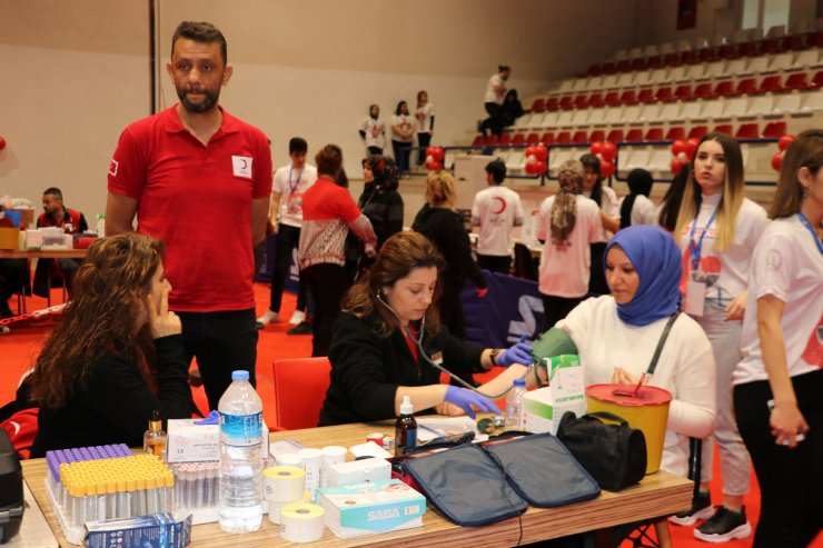 """Zonguldak'ta """"Kampüsün Kanında Hayat Var"""" kampanyası başladı"""
