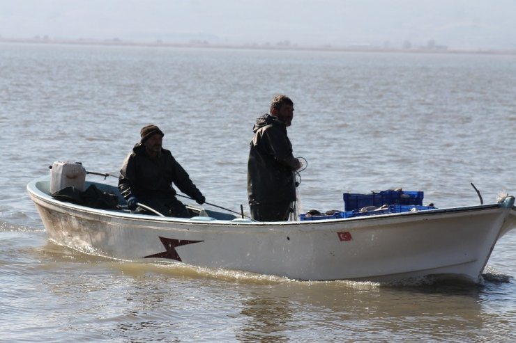 Manyas gölünde av yasağı başlıyor