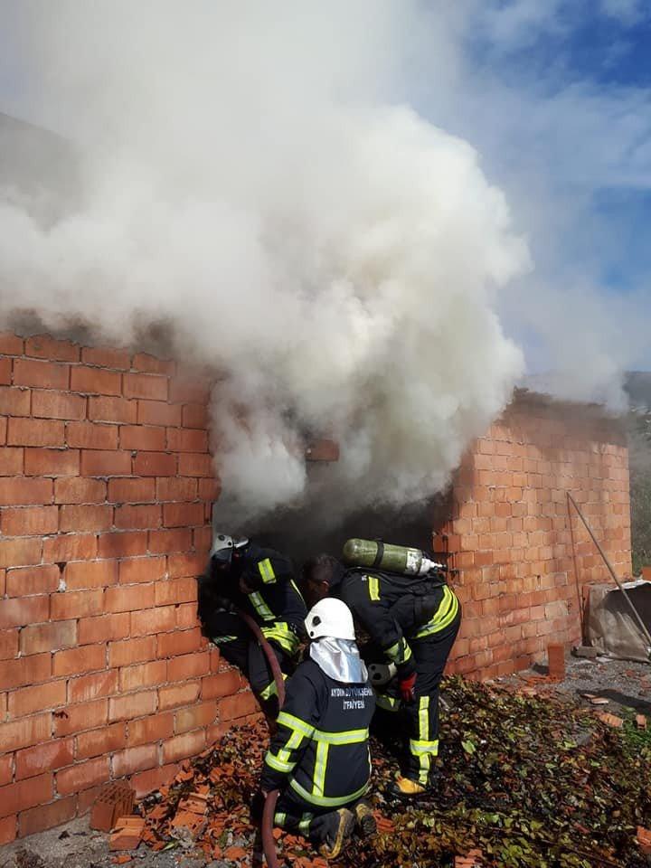 Söke'de depo yangını