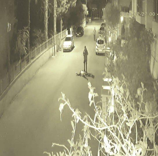 Kaçan şüphelinin bekçi tarafından vurulma anı kameralara yansıdı