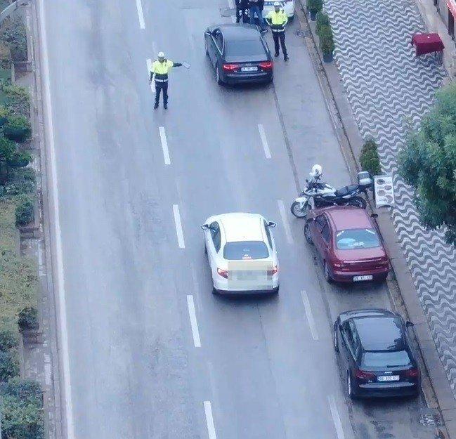 Eskişehir'de dronlu trafik denetiminde ilginç görüntüler