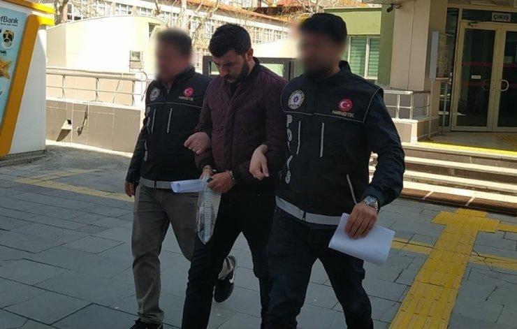Evinde 7 kilogram uyuşturucuyla yakalanan şüpheli tutuklandı