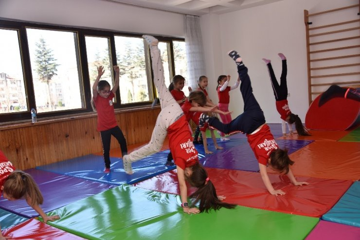 Miniklere ücretsiz jimnastik kursu
