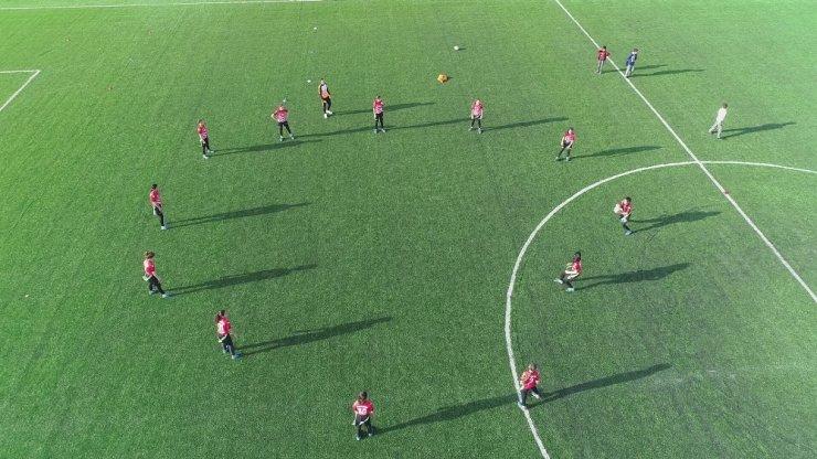 Diyarbakır'da tek ödüllü kız ragbi takımı