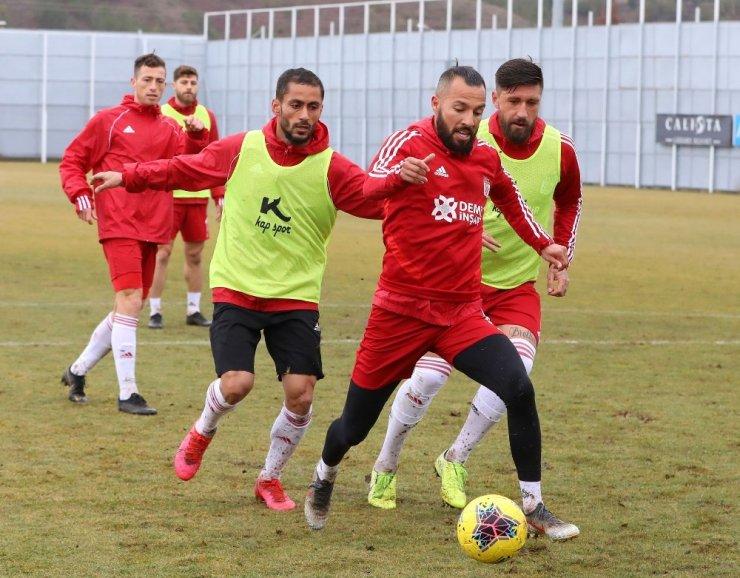 """Yasin Öztekin: """"Antalya'dan 3 puanla dönmek istiyoruz"""""""