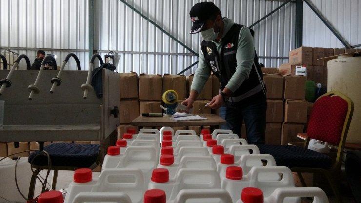 Bursa'da 20 ton sahte dezenfektan ele geçirildi
