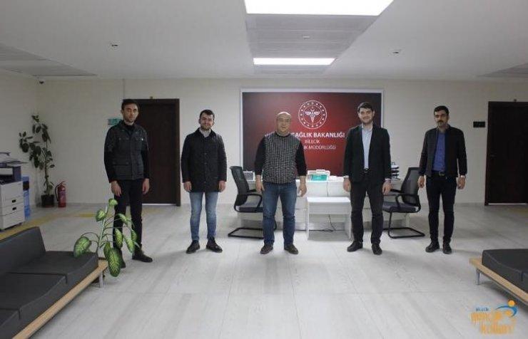 AK Gençlerden sağlık çalışanlarına motivasyon