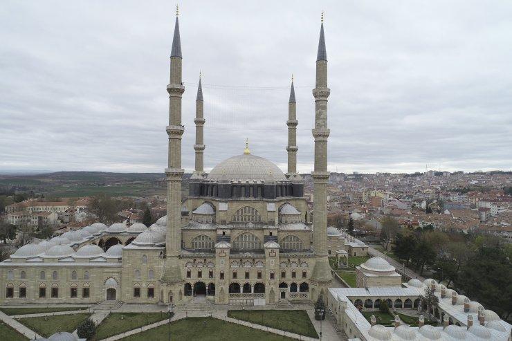 Selimiye Camisi'nin minarelerine