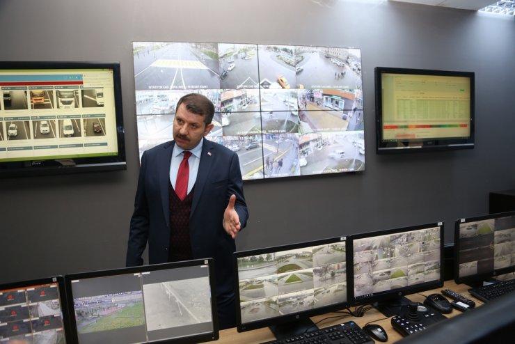 """Sivas Valisi Salih Ayhan: """"Şehirdeki hareketlilik yüzde 80-90 azalmış vaziyette"""""""