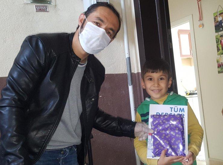 Çiçekdağı İlçe Milli Eğitim Müdürlüğünden öğrencilere mektuplu kitap