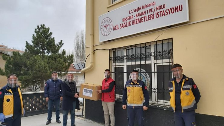 Kaman Gençlik Merkezinden sağlık çalışanlarına siper maske