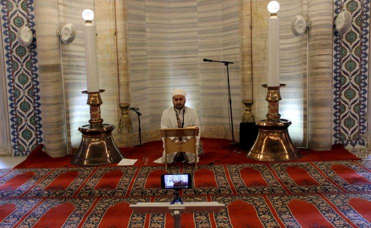 """Selimiye'de """"cuma vaazı"""" sosyal medyadan canlı yayınlandı"""
