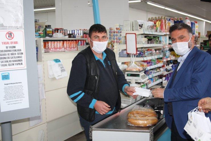 Derbent'te vatandaşlara maske desteği