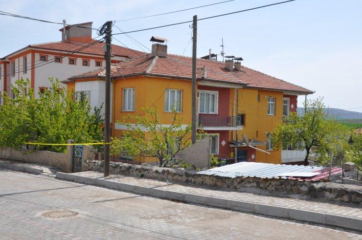 Kırşehir'de 2 katlı bina karantinada
