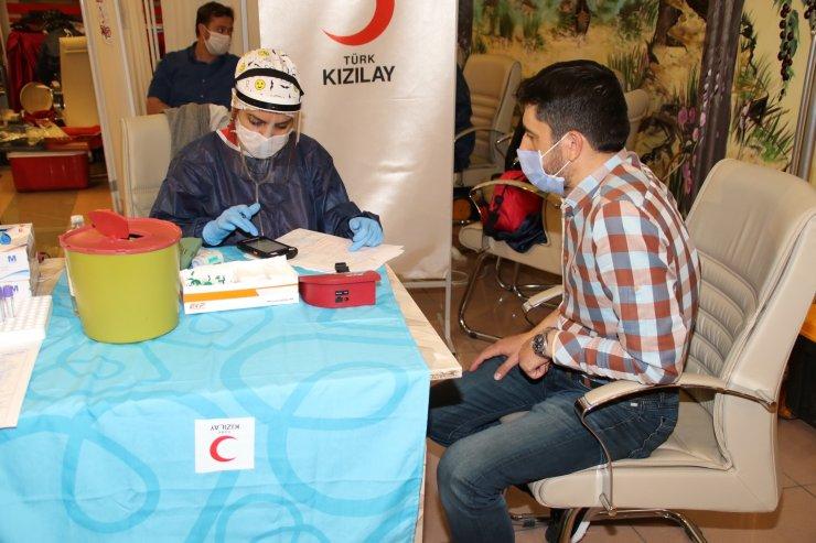 Akşehir'de kan bağışı seferberliği! Başkan Akkaya örnek oldu