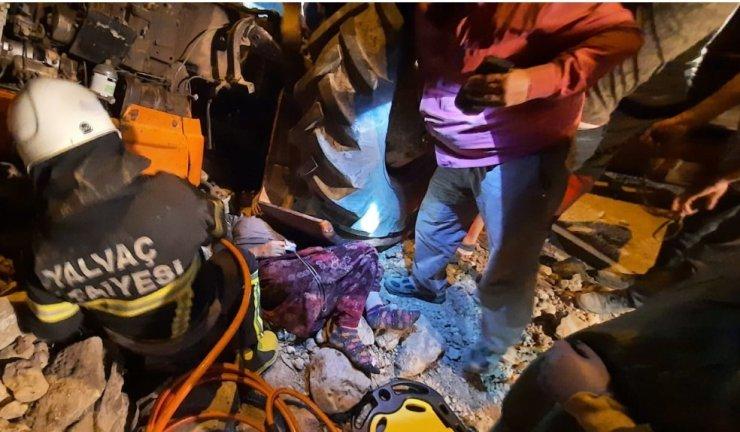 Devrilen traktörde 1'i ağır 5 kadın yaralandı