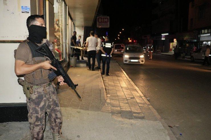 Adana polisi sabaha kadar uyumadı